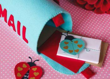 Cassetta postale di feltro fatta a mano. Foto-istruzione