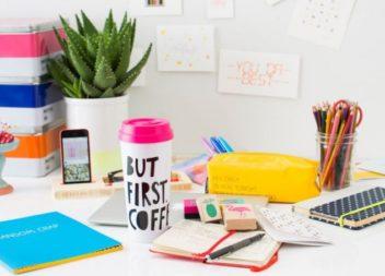 Mettiamo in ordine la scrivania. 35 idee utili
