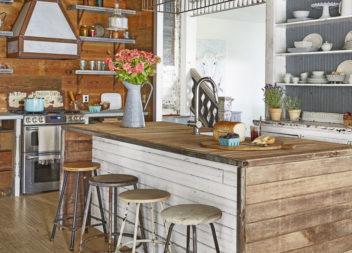 40 idee su interni della cucina: il tavolo al centro della stanza
