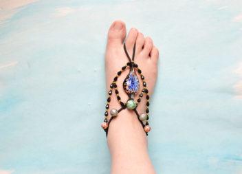 Bracciali per i piedi: 20 idee originali