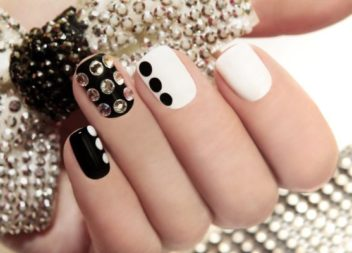 Decorazione unghie di strass: 20 idee incredibili
