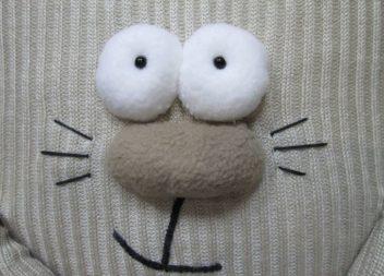 Idee su cuscino''gatto'' da un vecchio maglione: master-class