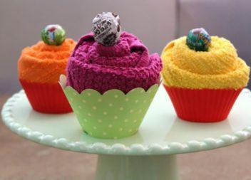 Asciugamani originali fatti a forma di cupcake: master-class