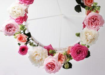 Lampadario con fiori: creazione fatta a mano