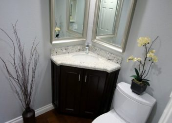 Soluzioni per piccolo bagno angolare. Idee!