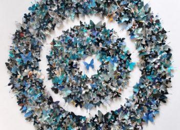 Decorazione delle pareti con farfalle