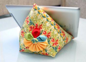 Porta tablet a forma di cuscino