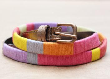 Decorazione della cintura con i fili.