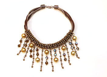 Collana di perle. Foto passi