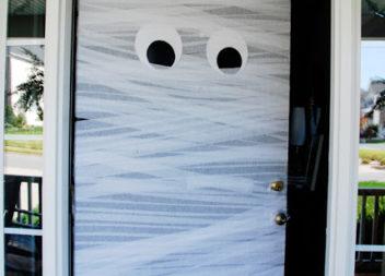 Decorazione della porta di Halloween