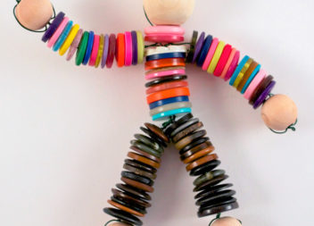 Bambola di bottoni