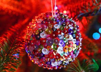 Decorazione dell'albero di Natale in schiuma