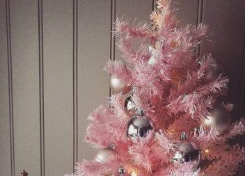 Ispirazione con il colore: albero di Natale rosa