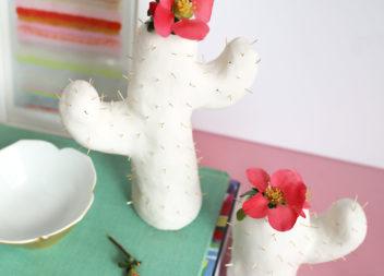 Vaso-cactus fatto di argilla polimerica