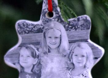 Decorazioni natalizie: tecnica del decoupage