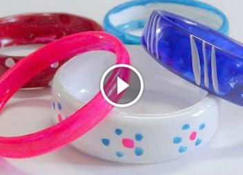 Braccialetto fatto di bottiglia di plastica: video