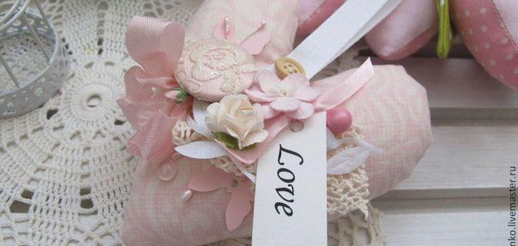 Cartoline di San Valentino fatte di tessuto: 39 idee
